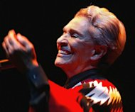 La cantante mexicana Chavela Vargas acta el 5 de abril de 2004 en el estadio Luna Park, en Buenos Aires. La intrprete, de 93 aos, se encuentra hospitalizada en Cuernavaca, Mxico, por una bronconeumona. (AFP/Archivo | )