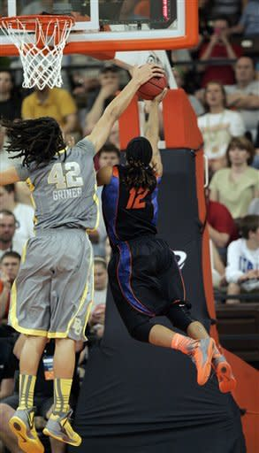 Griner dunks in Baylor's 76-57 win over Florida