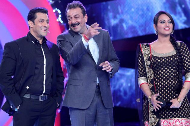 'Son of Sardar' cast and Salman have fun