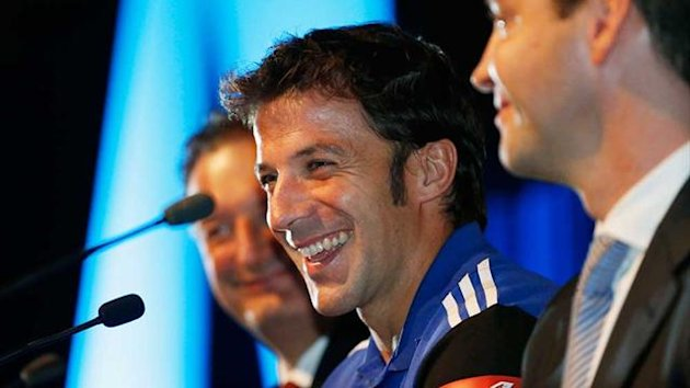 Alessandro Del Piero at a news conference with Sydney FC Chief Executive Tony Pignata, left, and Chairman Scott Barlow (Reuters)