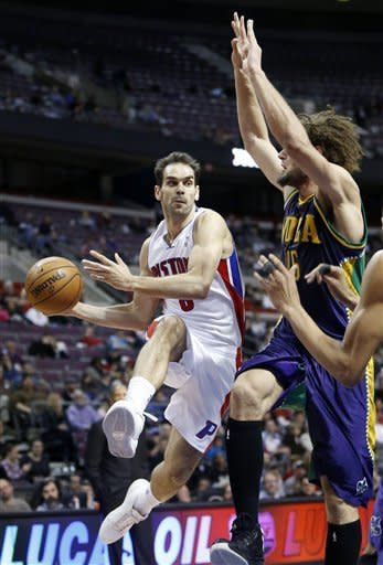 Anderson, Lopez lead Hornets past Pistons, 105-86
