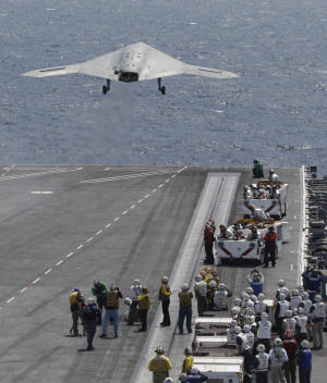 Navy completes 1st unmanned carrier landing
