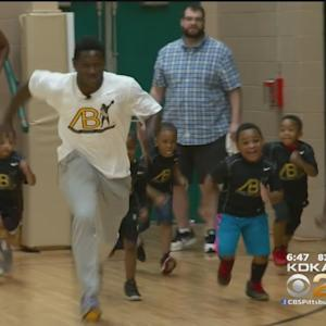 Steelers' Antonio Brown Takes Time Out To Help Local Kids