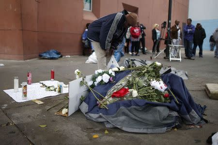 Video shows fatal Los Angeles police shooting of homeless man