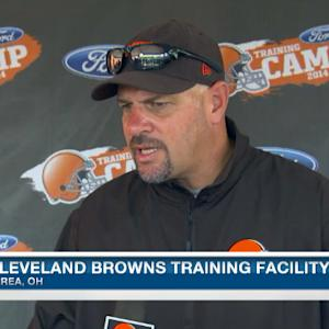 Cleveland Browns head coach Mike Pettine looking for players to step up in scrimmage