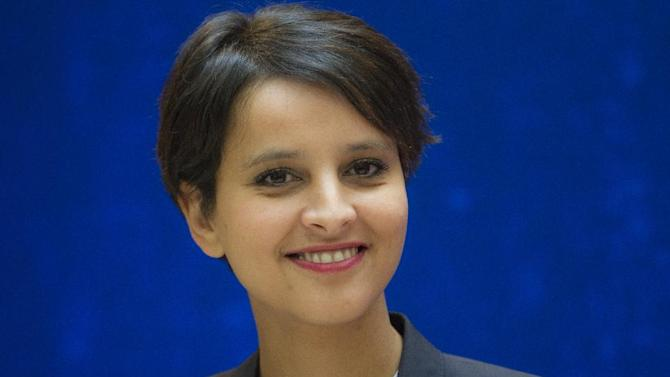Newly appointed French Women's rigths and Government spokeswomen Minister Najat Vallaud-Belkacem seen during a handover ceremony Thursday May 17, 2012 at the Bercy ministry in Paris.(AP Photo/Jacques Brinon)