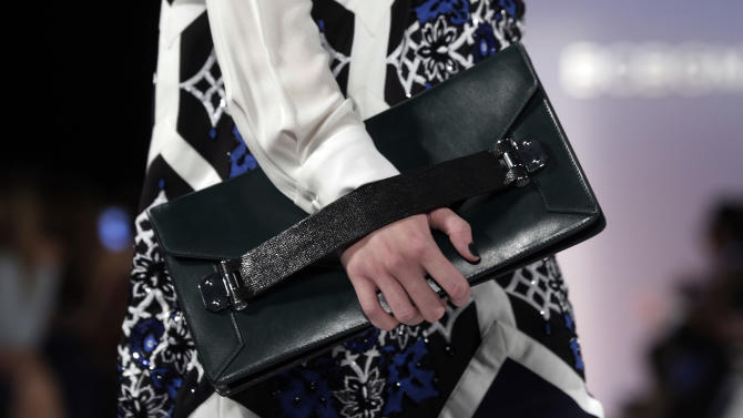 NY Fashion Week opens with new fall trend: freedom