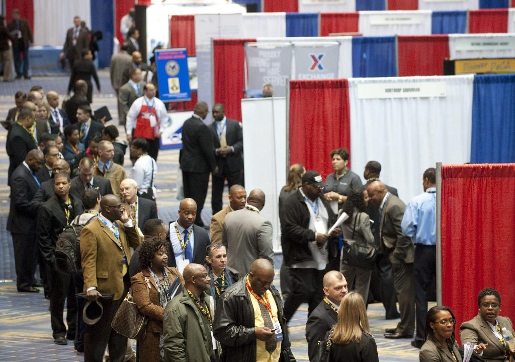 US jobless claims fall at the start of December
