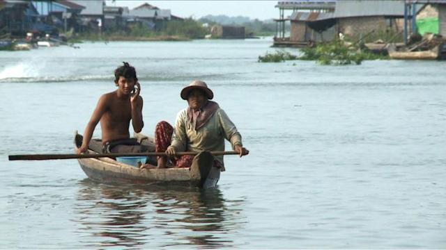 Au Cambodge, l'exode menace les villages flottants du Tonlé Sap