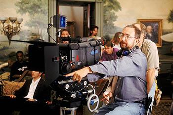 Director Barry Sonnenfeld on the set of Warner Brother's Wild Wild West