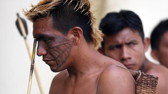 Munduruku Indians occupy Funai officies in the town of Itaituba