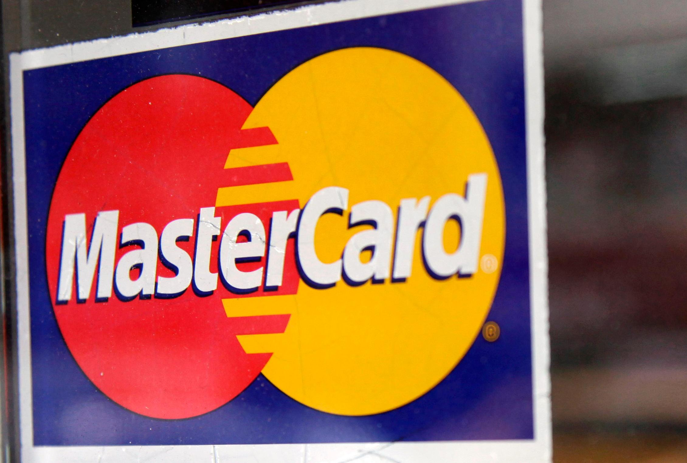 Target settlement with MasterCard fails to get bank support