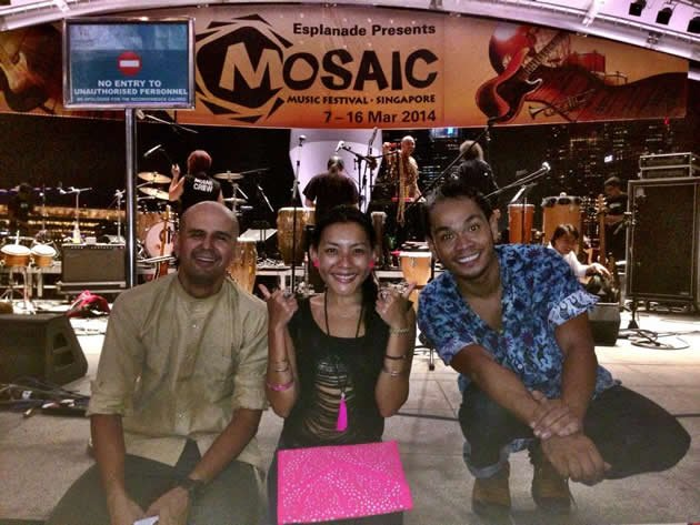 Local jazz singer Dawn Ho (centre) at the Mosaic Music Festival with her guitarist Munir Alsagoff (left) and percussionist Riduan Zalani (right), a former Yahoo Singapore 9 nominee. (Photo from Dawn Ho's Facebook page)