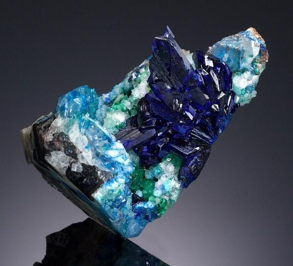 Color of Money: Sparkling Blue Mineral May Sell for $100K
