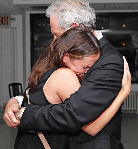 Jennifer Garner Cries While Hugging Alias Costar Victor Garber