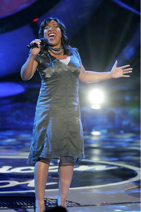 Melinda Doolittle performs as one of the top 4 contestants on the 6th season of American Idol.