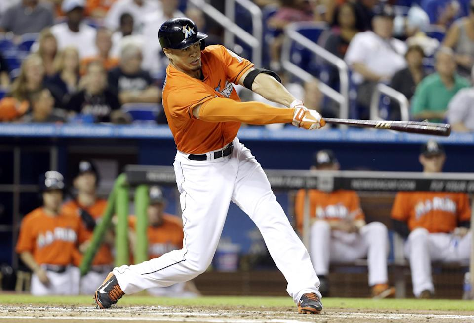 Fernandez pitches Marlins past Braves 5-2