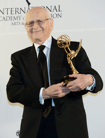Norman Lear poses after winning a Special Founders Award at the 40th International Emmy Awards, Monday, Nov. 19, 2012 in New York. (AP Photo/Henny Ray Abrams)