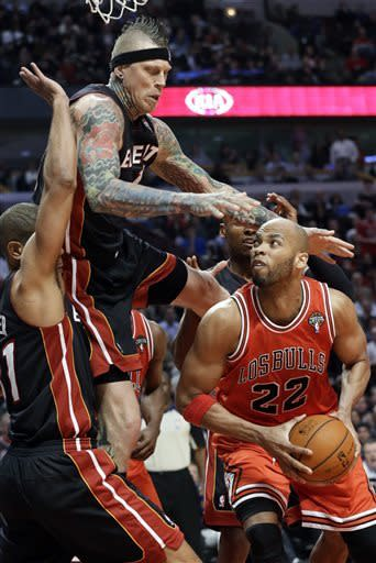 Heat's winning streak ends at 27 in Chicago