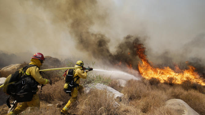 Southern California wildfire 25 percent contained