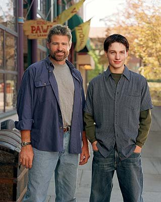 "Treat Williams as Dr. Andrew Brown and Gregory Smith as Ephram Brown The WB's ""Everwood"" Everwood"