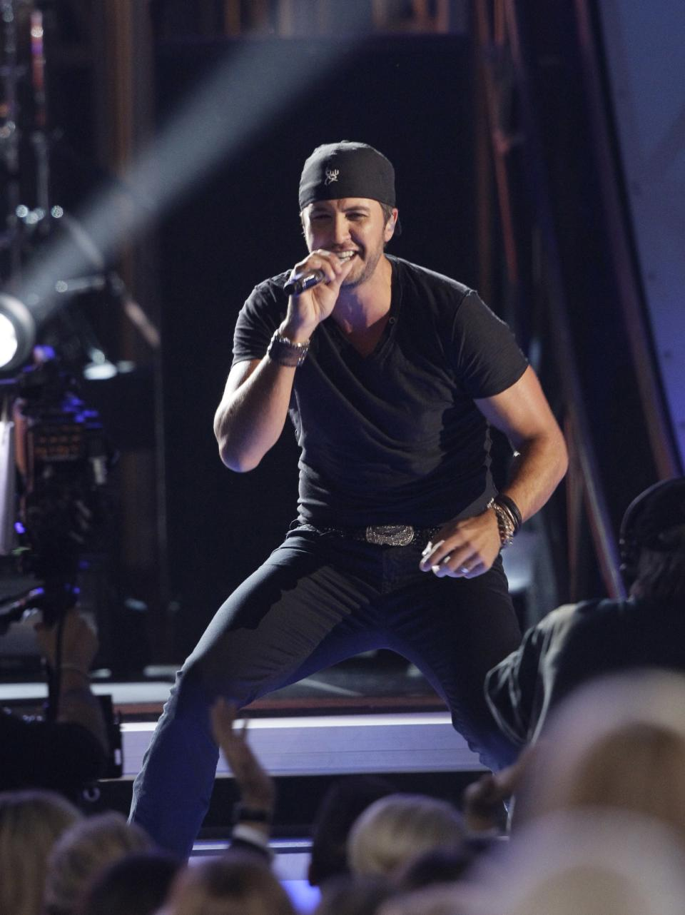 Luke Bryan performs onstage at the 46th Annual Country Music Awards at the Bridgestone Arena on Thursday, Nov. 1, 2012, in Nashville, Tenn. (Photo by Wade Payne/Invision/AP)
