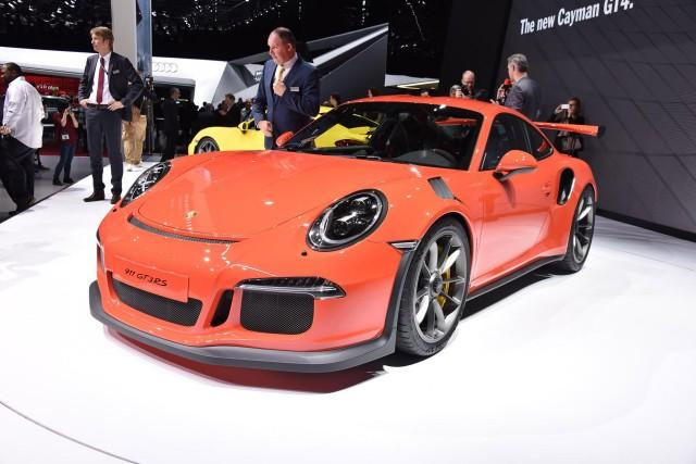 George Clooney Getting Porsche 911 GT3 RS As Birthday Present