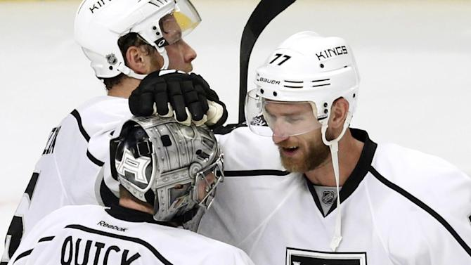 Chicago regroups after Game 2 barrage by LA Kings