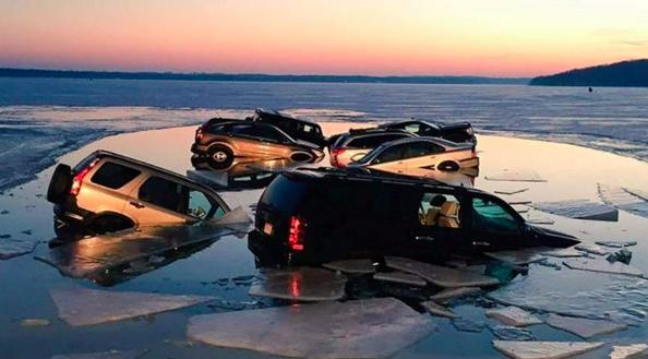 Cars fall into lake as ice melts in Wisconsin