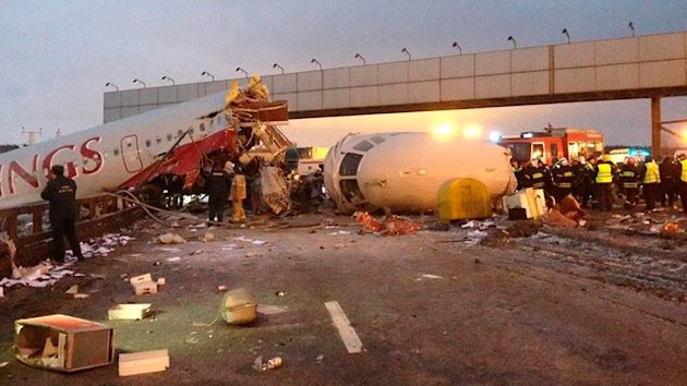 4 Dead in Crash Landing at Moscow Airport (ABC News)