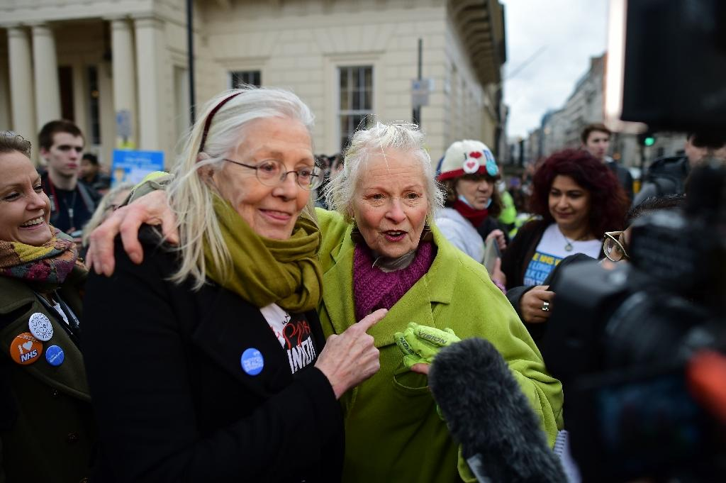 Redgrave, Westwood join UK junior doctors' pay protest