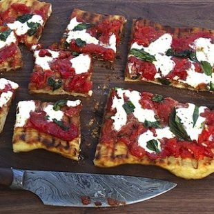 Grill Next Door: Make the Perfect Grilled Pizza