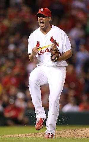 Cardinals use Wainwright to beat Red Sox 5-2