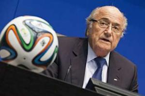 Blatter hails proposed labor law changes in Qatar