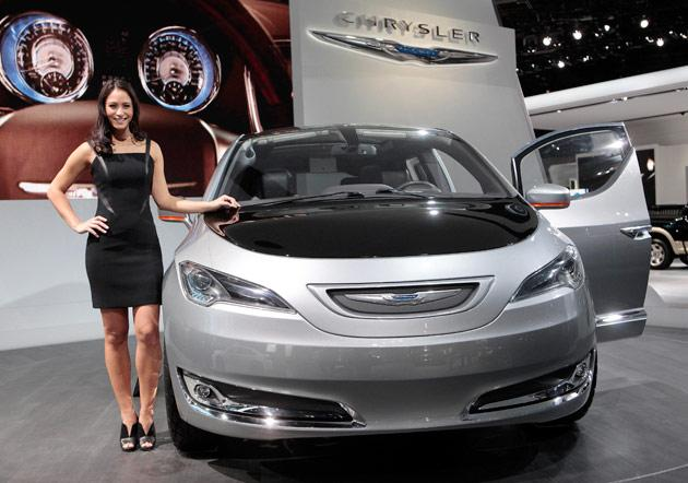 Ladies of the 2012 Detroit Auto Show