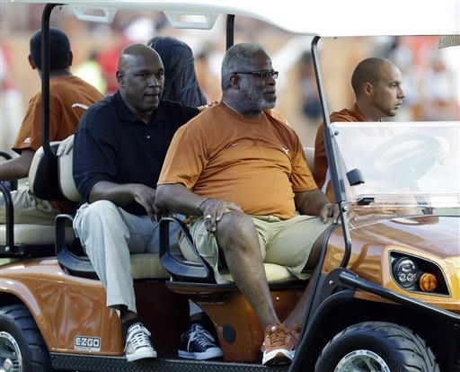NFL great Earl Campbell to undergo nerve treatment