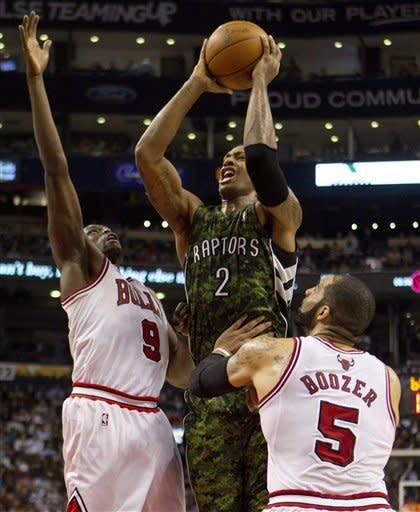 Lucas spurs rally as Bulls beat Raptors 94-82