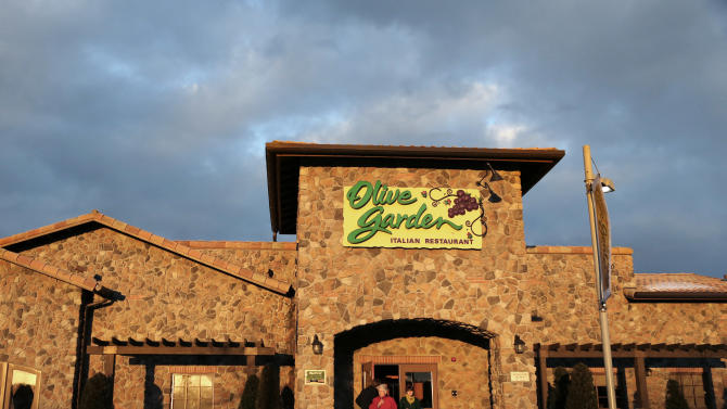 Olive Garden luring diners with cheaper prices
