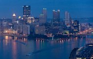 The skyline of downtown Pittsburgh, Pennsylvania in 2009. A man claiming to have a bomb in a canvas bag took at least one person hostage Friday in an office building in the US city of Pittsburgh, authorities said