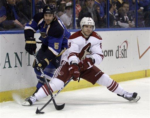 Coyotes beat Blues 4-1, take Pacific lead