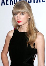 Taylor Swift | Photo Credits: Jim Spellman/Getty Images for Jingle Ball 2012