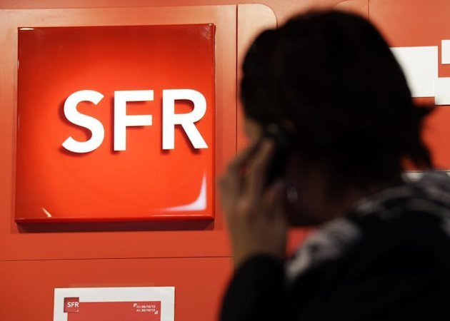 Vivendi, maison-mre de SFR,  suivre mercredi  la Bourse de Paris. Le groupe a publi mardi des rsultats en baisse au premier trimestre, pnaliss par les performances mdiocres de sa filiale dans un contexte de concurrence accrue et de guerre des prix sur le march de la tlphonie mobile en France. /Photo d&#39;archives/REUTERS/Eric Gaillard