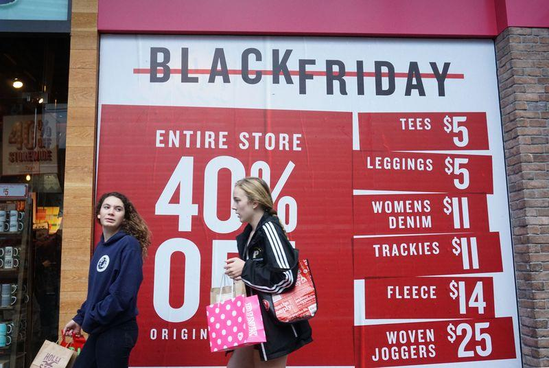 More people chose to shop online than in-store this Thanksgiving weekend