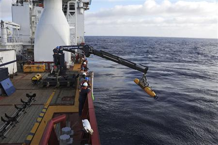 Undersea drone heads back to seafloor in Malaysia jet hunt