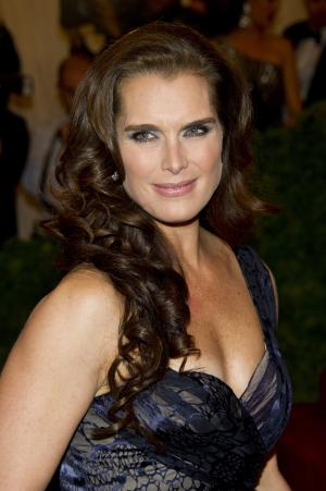 FILE - In this May 7, 2012 file photo, actress Brooke Shields arrives at the Metropolitan Museum of Art Costume Institute gala benefit, celebrating Elsa Schiaparelli and Miuccia Prada in New York. Shields will be a presenter at The Drama Desk Awards on Sunday, June 3, 2012 in New York. (AP Photo/Charles Sykes, file)