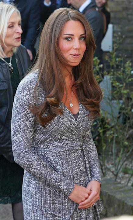 Kate Middleton muestra su barriguita