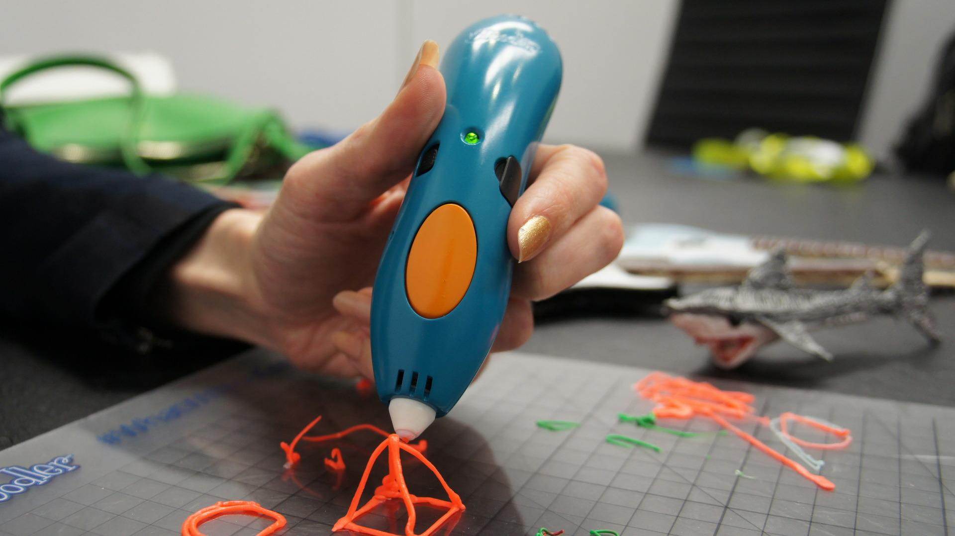 3Doodler Start makes 3D drawing kid's play