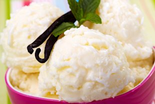 Old-fashioned vanilla bean ice cream (iStockphoto)