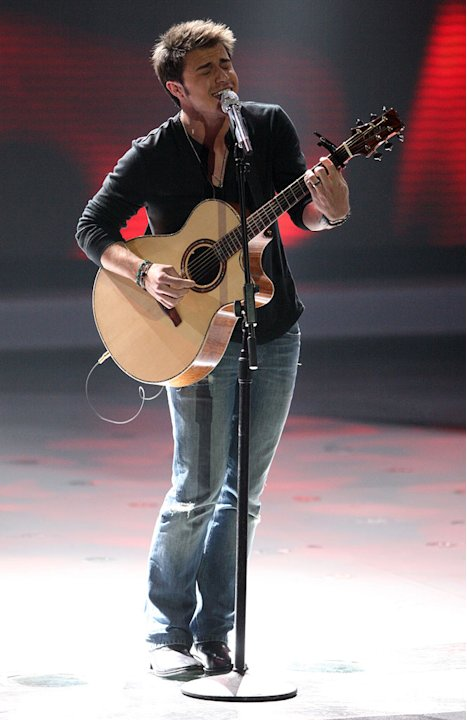 "Kris Allen performs ""Heartless"" by Kanye West on ""American Idol."""