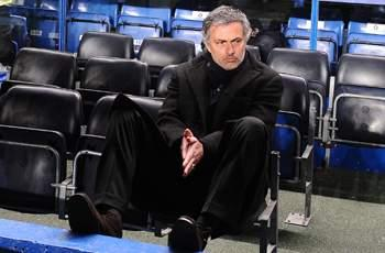 Valdano insists Mourinho has 'average' Madrid record